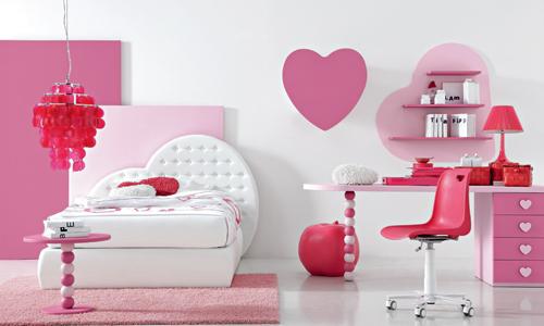 cameretta rosa a forma di cuore