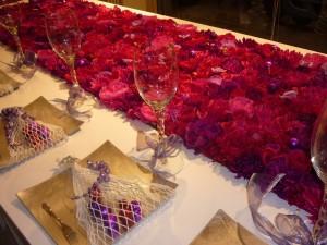 Un letto di fiori e mille piccole palline di Natale Per un Natale firmato RIflessi