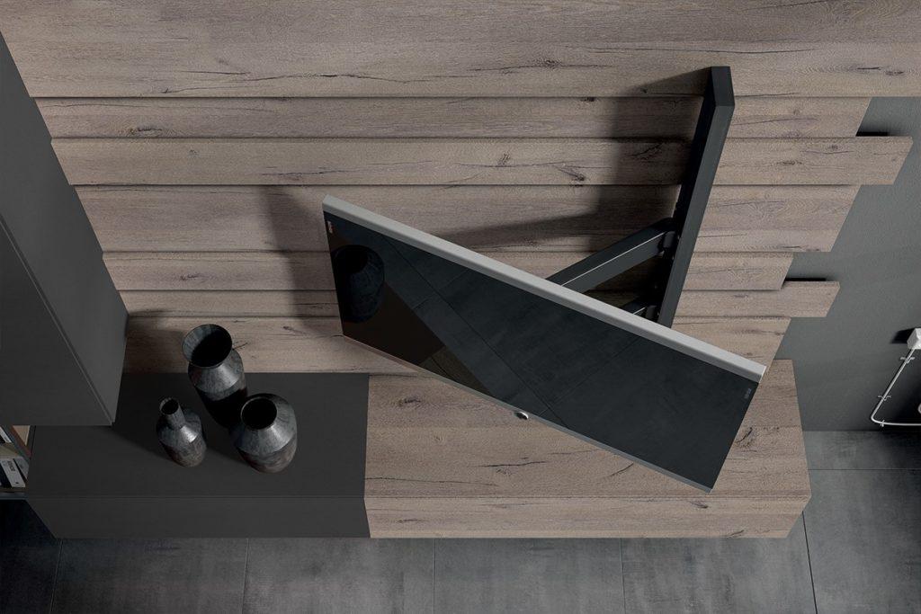 Braccio orientabile per il televisore