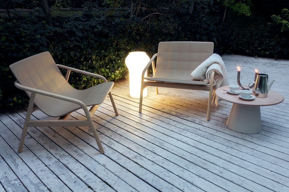 sedia loungette, lampada floret, tavolo loulou serralunga