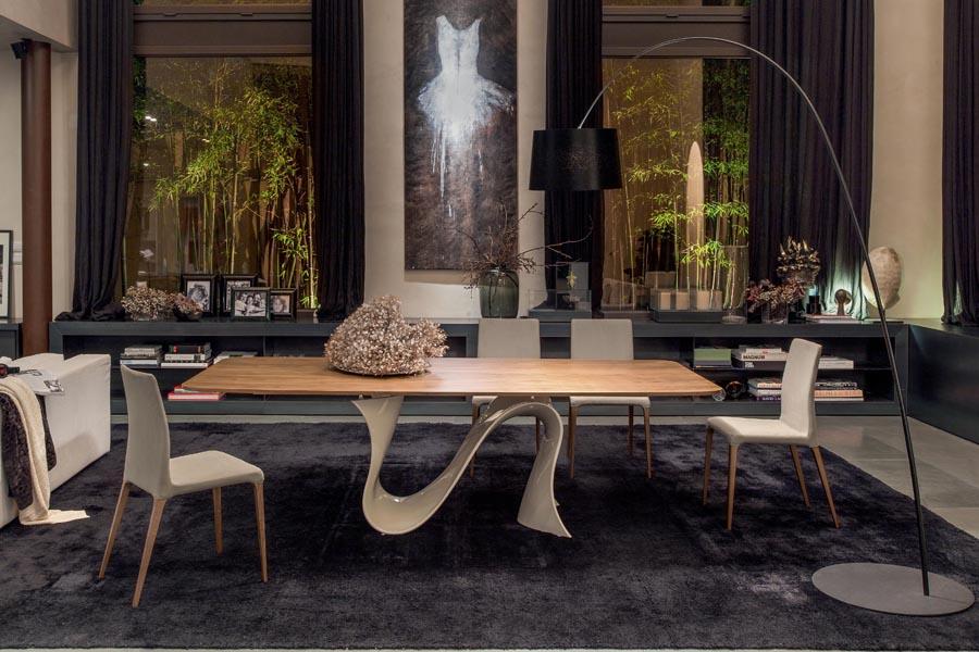 Tavolo moderno in vetro legno marmo non solo mobili for Tavolo salone moderno