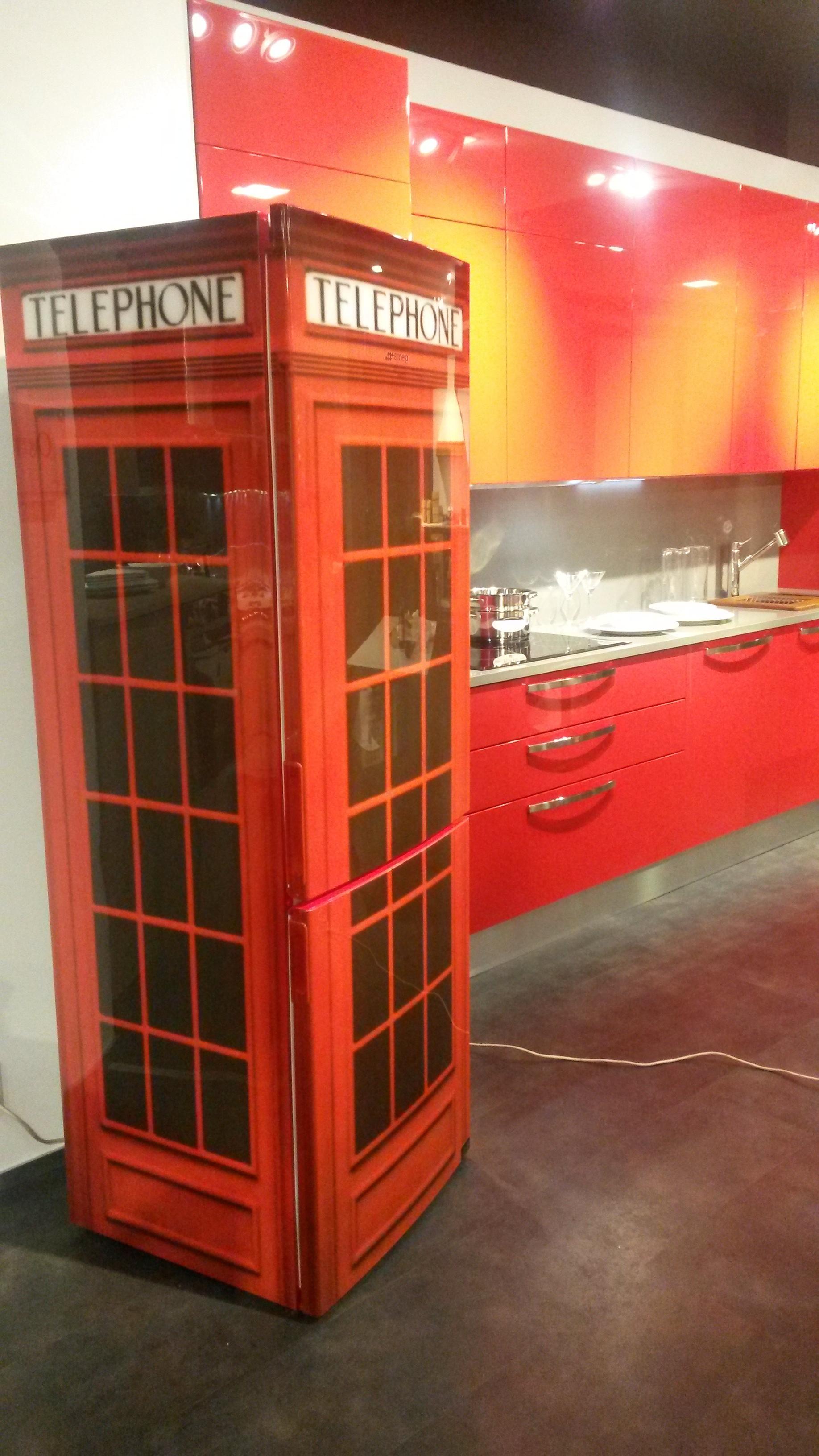 frigocongelatore cabina telefonica inglese