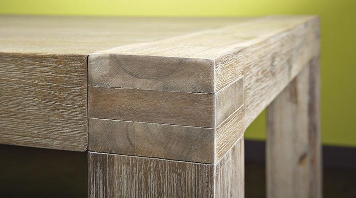 Il particolare delle gambe del tavolo LiBa