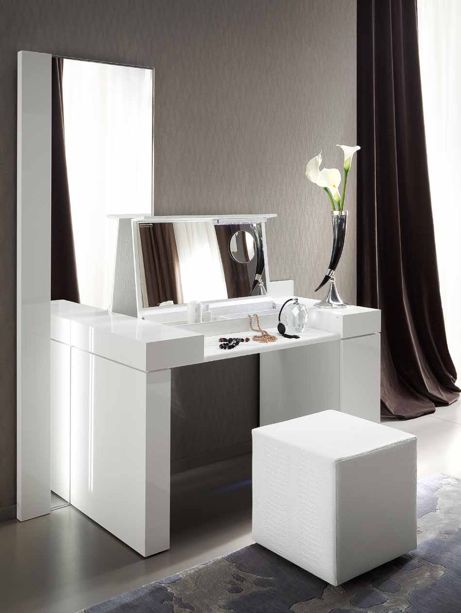 toeletta classica toeletta moderna da inserire in camera. Black Bedroom Furniture Sets. Home Design Ideas