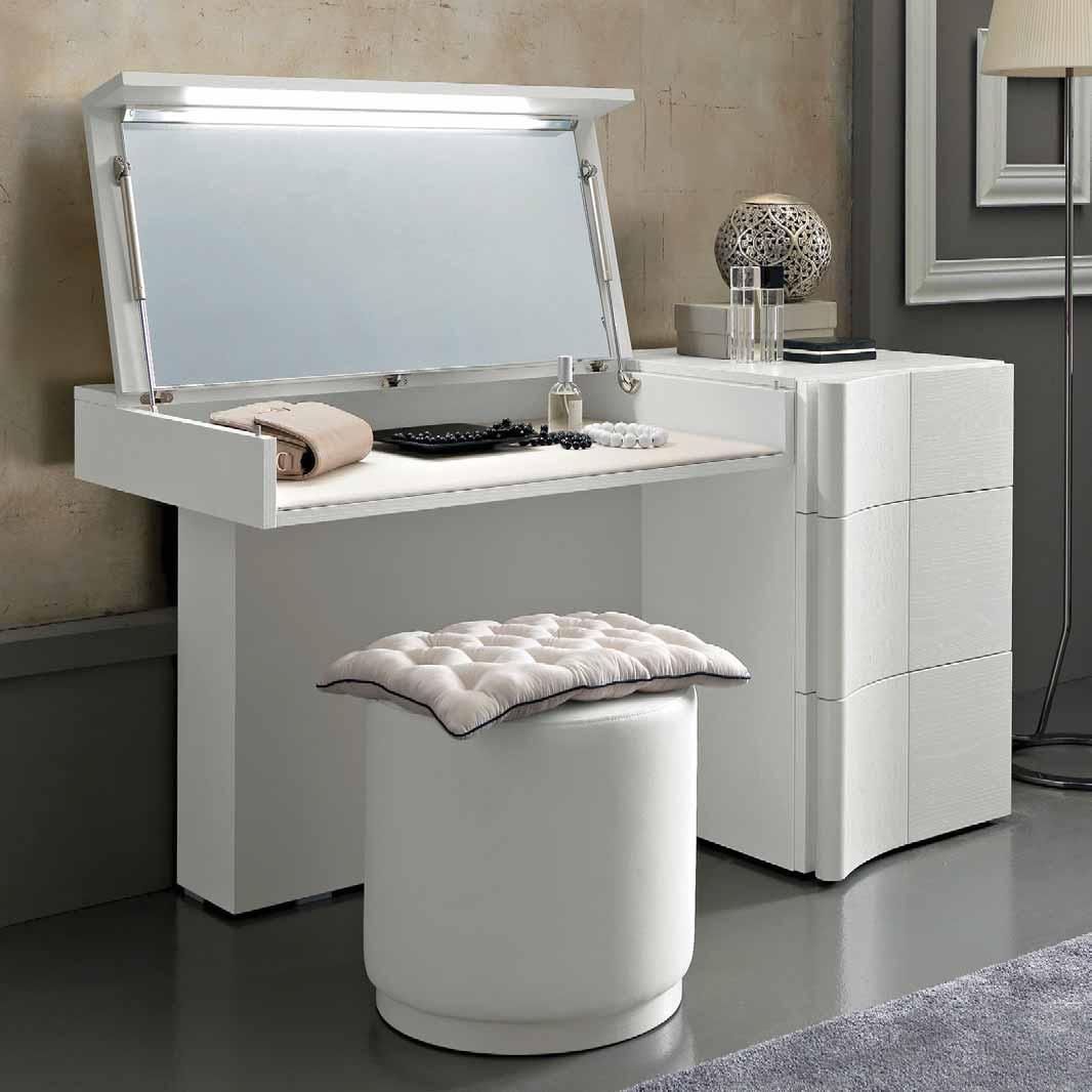 Toeletta classica toeletta moderna da inserire in camera - Toilette moderne camera da letto ...