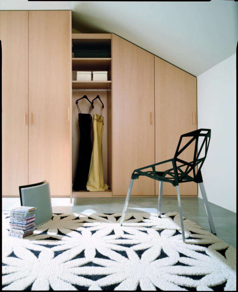 Soggiorno e camera da letto letto trasformabile girevole tato arredo design online camere da - Mobili sottoscala ikea ...