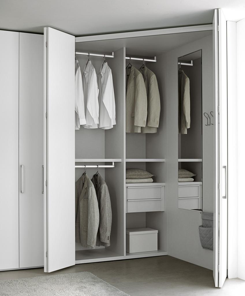 armadio con angolo spogliatoio