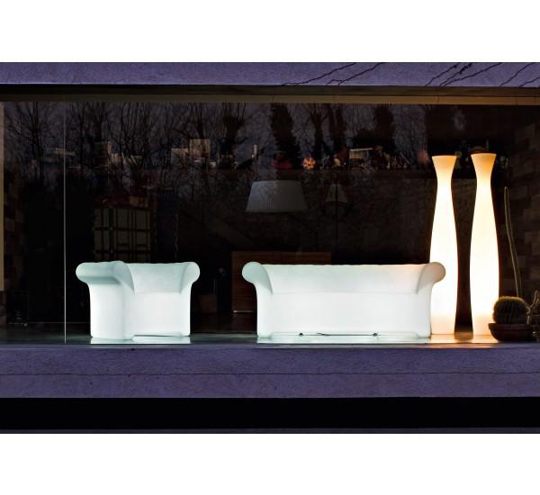 divano con luce da esterno serralunga