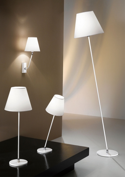 lampada inclinata d'arredo design originale