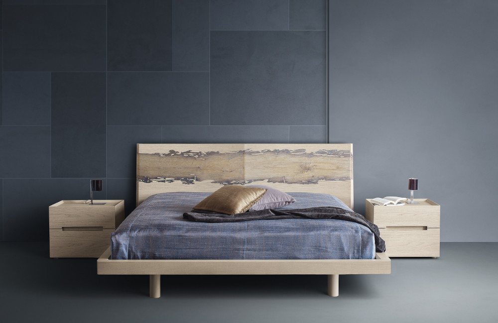 letto bibed in legno con briccola di  venezia
