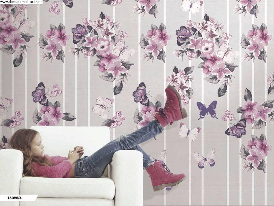 tappezzeria fiori e farfalle