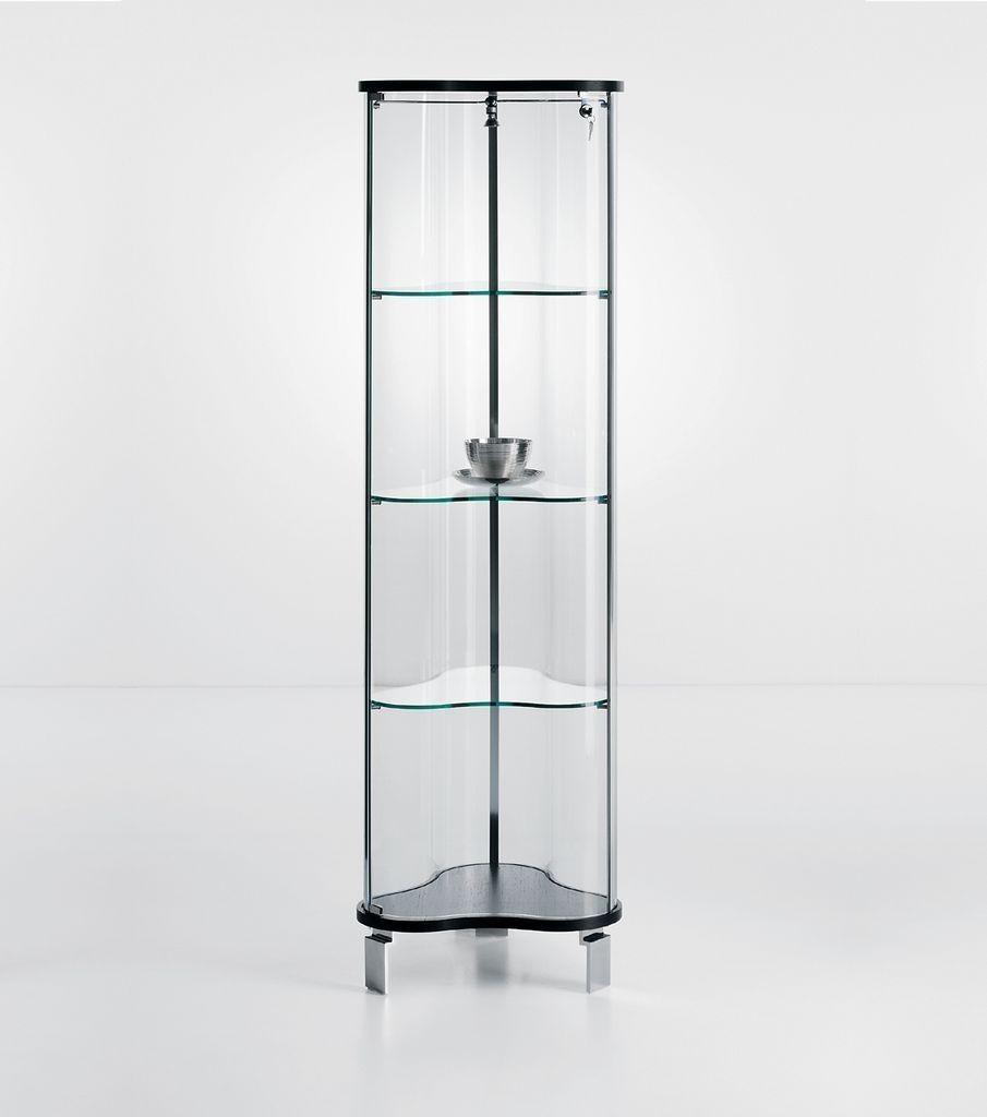 vetrina sagomata a forma di trifoglio con ante e ripiani in vetro trasparente. Illuminazione interna e serratura