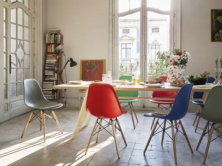 sedia design plastica colorata