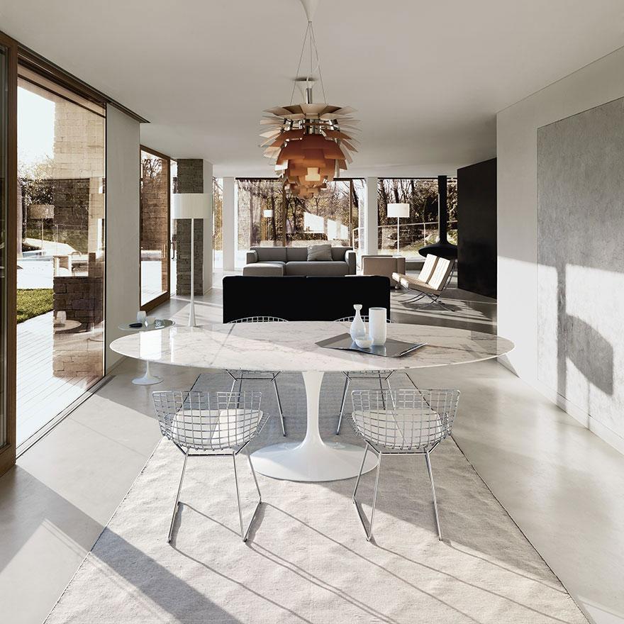 tavolo di design modello Tulip by Eero saarinen