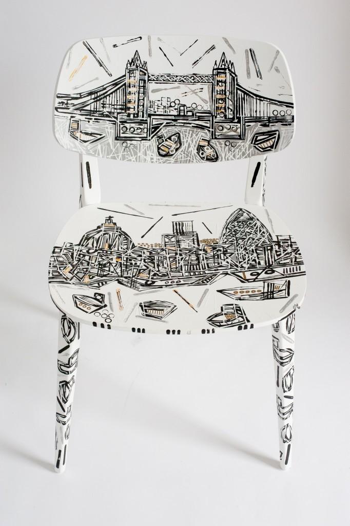 sedia Doll Novamobili by Ben Mosley panorama di Londra