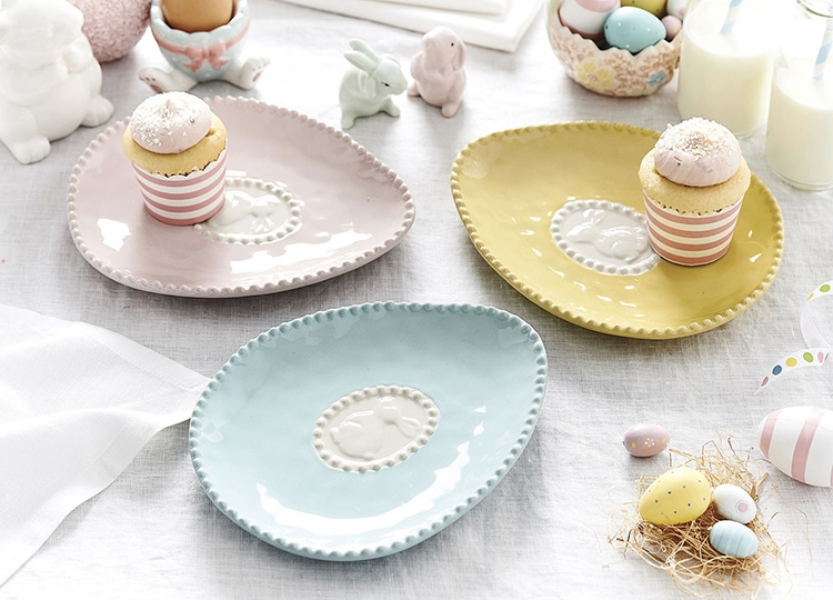 tavola di pasqua colori pastello