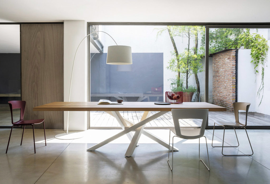 shangai riflessi tavolo allungabile con base centrale