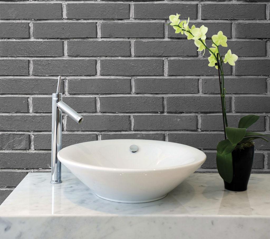 carta da parati effetto mattoni per decorare il bagno