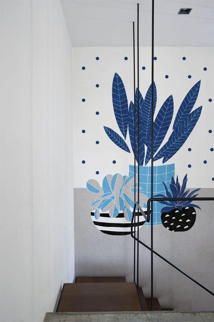 Tappezzeria pianta blu