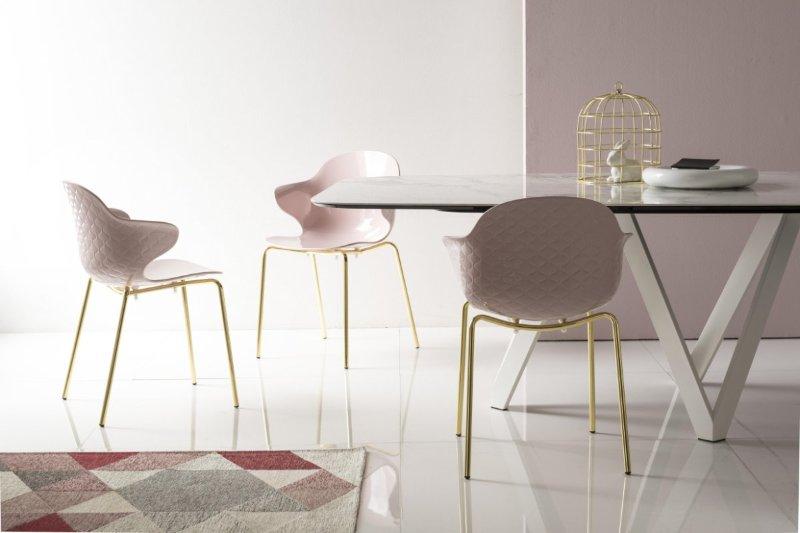 sedia saint tropez ottone lucido e rosa cipria