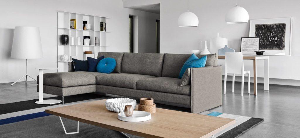 divano con penisola urban calligaris